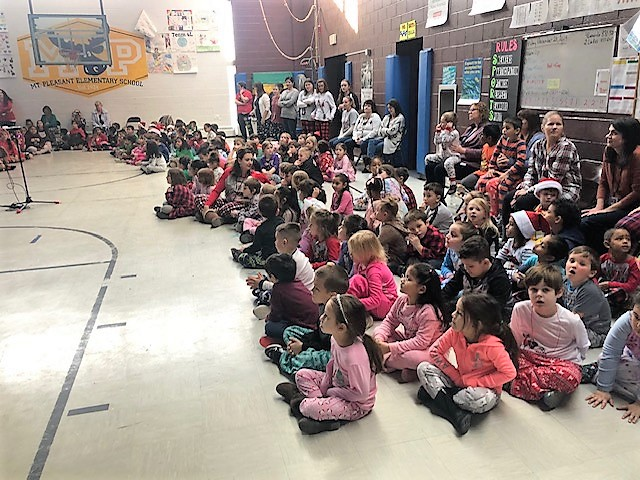 Mount Pleasant Holiday Sing Along